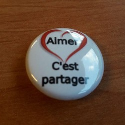 Badge aimer